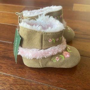 NWT LAURA ASHLEY Faux Fur Trim Floral Boots Baby 2
